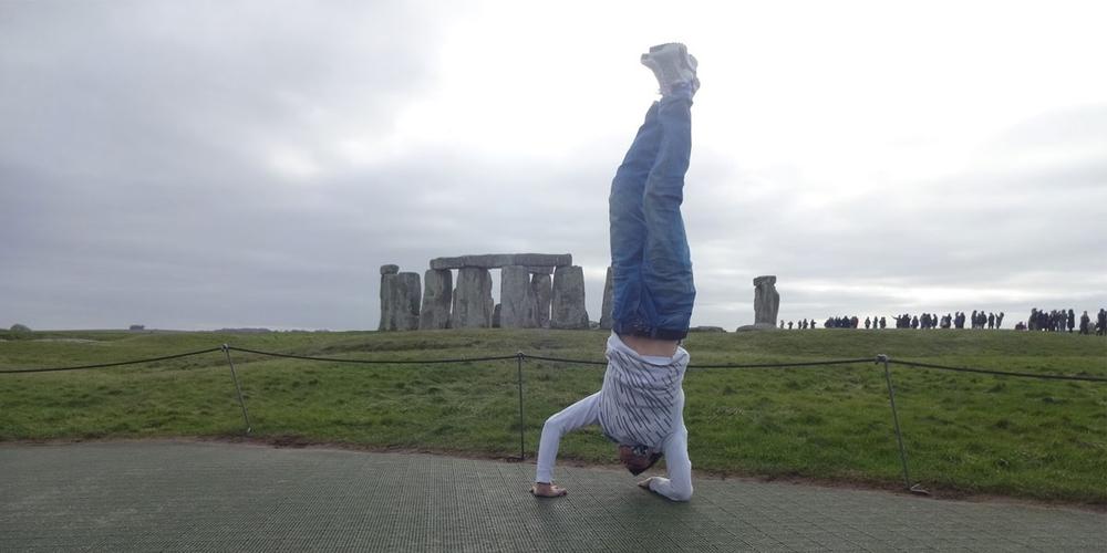 elbow_handstand